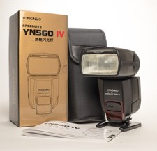 Yongnuo YN 560-IV Flash Light